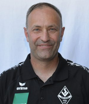 Stefan Karcher